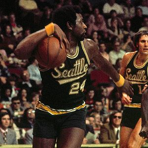 Spencer Haywood - classic shorts and wristbands