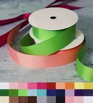1 1/2 Inch grosgrain ribbon sole in 5 yard increments.  Wholesale grosgrain ribbon starts at $0.69 for 5 yards.