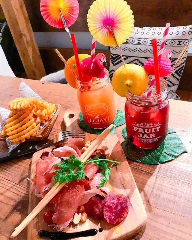#café#bar#camp#glamping#@lamp#cocktail#masonjar#pink#juice#cassis#orange#fruit#potato#meat#aichi#toyohashi#カフェ#バー#キャンプ#グランピング#カクテル#メイソンジャー#生ハム#ポテト#フルーツ#肉#愛知#豊橋#アットランプ