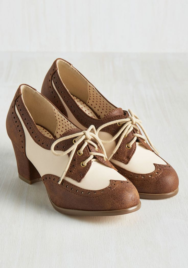 Oxford Comment Heel in Cocoa. Classic, charming, and endlessly cool - these brogues by Bait Footwear earns themselves a grammatically refined list of compliments! #brown #modcloth