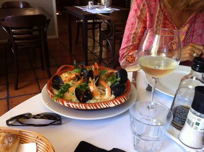 Risotto of shrimps accompanied by chilled white wine @ Restaurant 5 Sentidos / Casa de Largo (Since 1974)