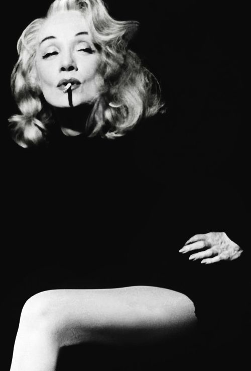 hollywoodlady:  Marlene Dietrich for Witness for the Prosecution, 1957 (x)