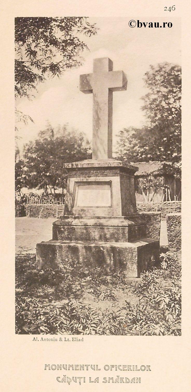 """Monumentul Ofiţerilor Căzuţi la Smârdan, 1902, Romania. Ilustrație din colecțiile Bibliotecii Județene """"V.A. Urechia"""" Galați. http://stone.bvau.ro:8282/greenstone/cgi-bin/library.cgi?e=d-01000-00---off-0fotograf--00-1----0-10-0---0---0direct-10---4-------0-1l--11-en-50---20-about---00-3-1-00-0-0-11-1-0utfZz-8-00&a=d&c=fotograf&cl=CL1.44&d=J248_697980"""
