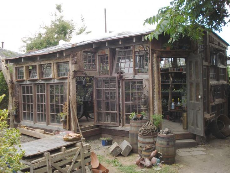 Greenhouse, potting shed.  Now THIS is the dream place for a gardener, especially in the south