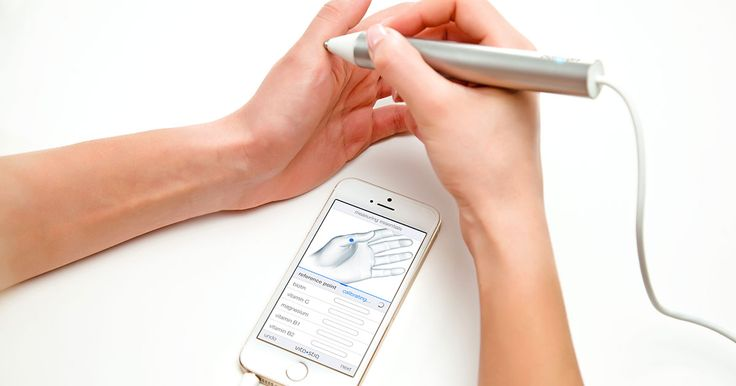 the vitastiq is an amazing #smart #acupuncture pen that checks if you're getting enough #vitamins / #health / #DPCritic