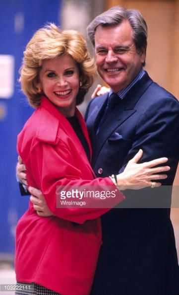 September 1 1990 stefanie powers and robert wagner at a press