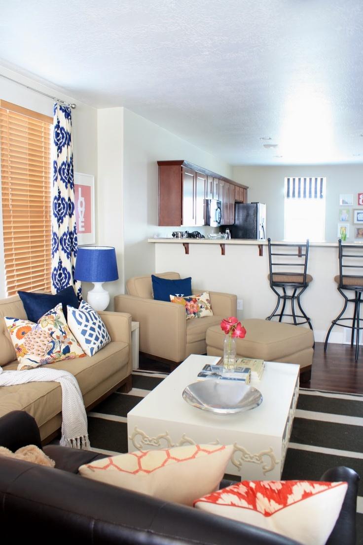 Wondrous Blue Ikat Couch Cobalt Ikat Drapes Schumacher Trellis Ibusinesslaw Wood Chair Design Ideas Ibusinesslaworg