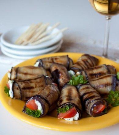 Рулетики из баклажана с фетой и помидором - рецепт с фотографиями