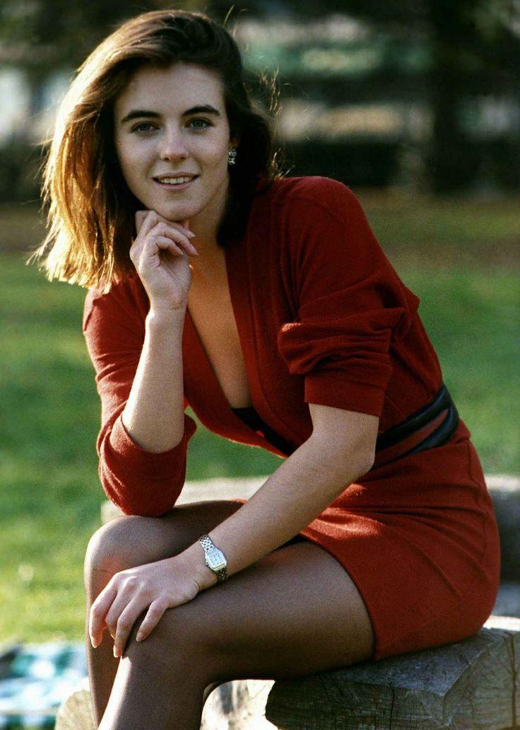 Elizabeth Hurley - backalleypics.com