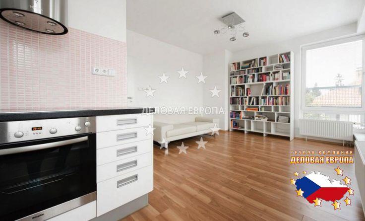 НЕДВИЖИМОСТЬ В ЧЕХИИ: продажа квартиры 2+КК, Прага, Špačkova, 163 000 € http://portal-eu.ru/kvartiry/2-komn/2+kk/realty161/  Предлагаем на продажу хорошую квартиру 2+кк площадью 51 кв.м с большой террасой 33 кв.м расположенную на 3 этаже трехэтажного дома в районе Прага 6 - Сухдол.  Гостиная с мини-кухней (20 кв.м), спальня с гардеробной (14,6 кв.м), ванная комната с туалетом (5,6 кв.м), две кладовые, коридор. Ориентация квартиры на восток (терраса, гостиная), на запад (спальня). Собственный…