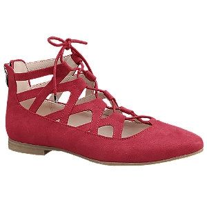 Wat een leuke rode ballerina's, je vindt ze nu in de uitverkoop voor maar €24,90! #koopje #aanbieding #mode #dames #schoenen #sandalen #open #veterschoenen #women #fashion #shoes #sandals #laceup #red #sale