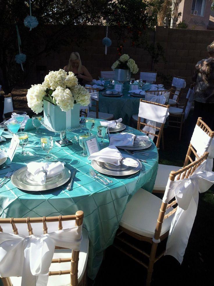 Tiffany blue wedding decor tiffany for Blue wedding reception ideas