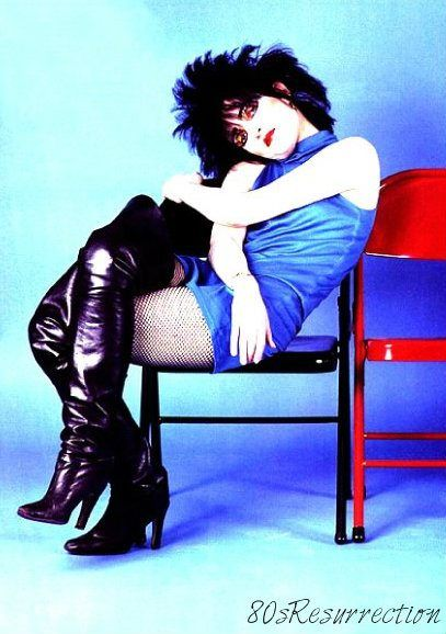♥ ♥ ♥ ♥ ♥ Most Sexy Punk Gothic New Wave Rock Heavy Metal Female Singers & Musicians Collection with Siouxsie Sioux live at this days and age but she sins at least since 78 in one of most popular greatest Gothic bands of the 80s Siouxsie And The Banshees