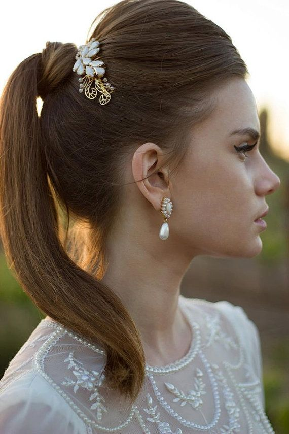 Hey, I found this really awesome Etsy listing at https://www.etsy.com/listing/164181280/bridal-comb-bridal-hair-accessories