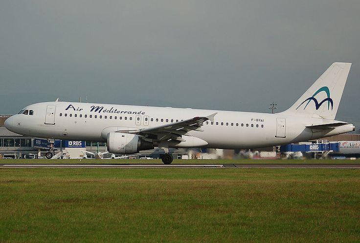 Accident entre un Airbus A321 d'Air Méditerranée et un Veau !