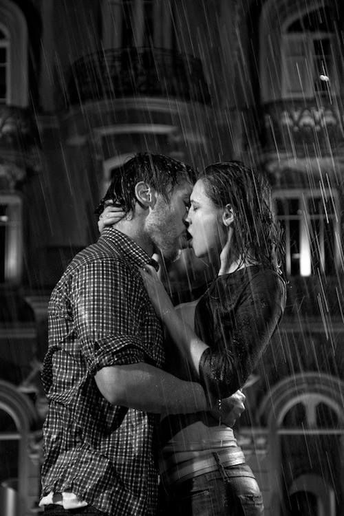 kissing in the rain