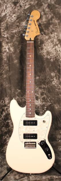 Perfect for garage rock and other styles that thrive on nonconformity, the Mustang 90 offers a distinctive take on a classic model. With upgraded features, unique aesthetics and fat Fender sound, this spirited instrument is perfect for players that march to a different beat. A new take on an underground classic, it stays true to the rebellious spirit that birthed rock 'n' roll. Tonally flexible, the pair of Mustang MP-90 pickups have all the bite and pristine cleans you've come to expect…