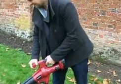 Here it is again! The Trueshopping Cordless Battery Powered Leaf Blower & Vacuum as seen on  The Alan Titchmarsh Show 15/10/12! http://www.trueshopping.co.uk/product.php?pid=40818=3886=121