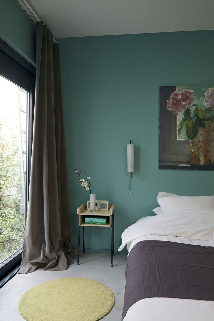 De rustige, authentieke uitstraling van verf uit The Color Collection leent zich perfect voor de slaapkamer.