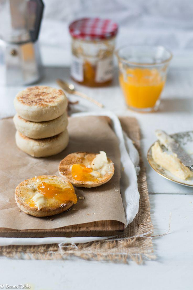 muffins avec du beurre et de la confiture ♥