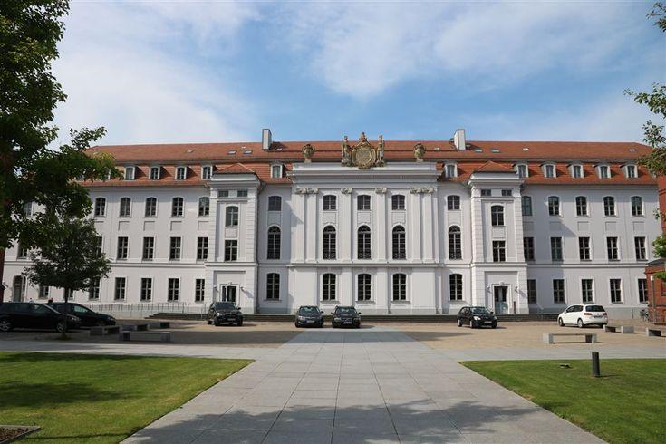 Die #Universität #Greifswald wurde 1456 in der #Hansestadt Greifswald gegründet und zählt damit zu den ältesten Universitäten in Mitteleuropa.
