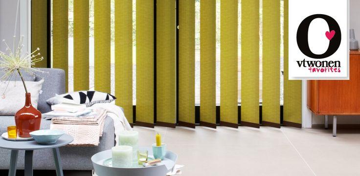 Verticale jaloezieën - Helemaal van nu!: Met deze extra brede lamellen in een groene linnenlook creëer je een natuurlijke sfeer met power! vtwonen favorites van Luxaflex®