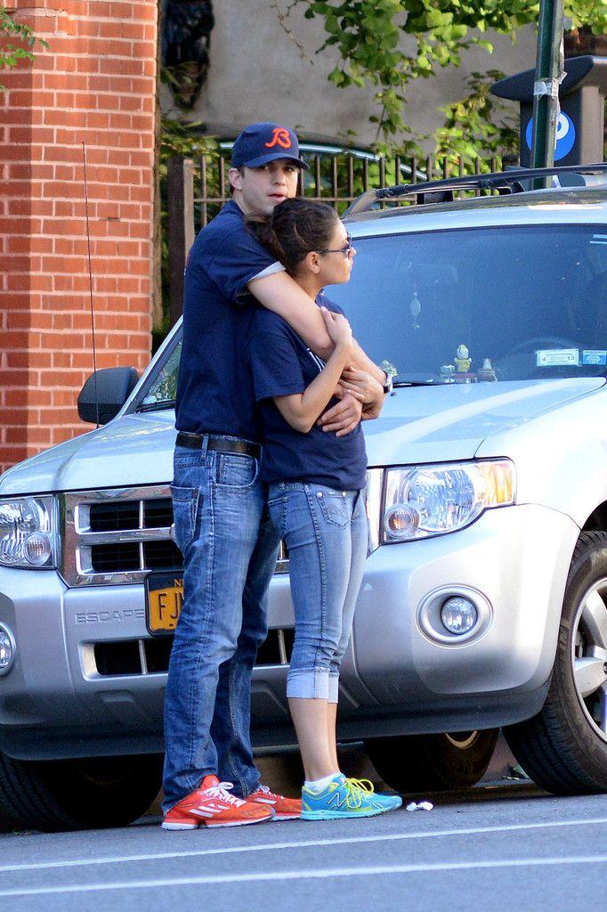 Ashton Kutcher & Mila Kunis   very cute together :)