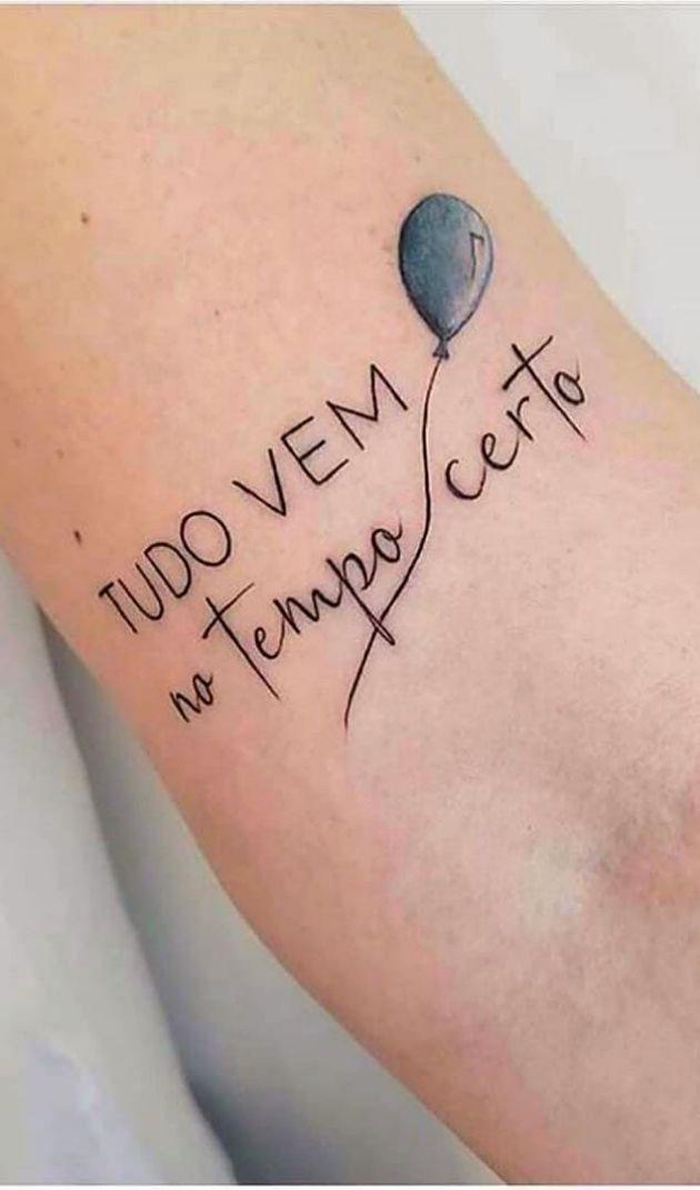 tatuagem feminina braco escrita delicada em 2020 | Frases para tatuagem feminina, Tatuagem delicada, Tatuagem