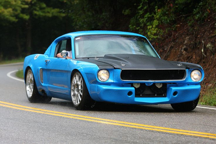 If I were to do an older body mustang...THIS is what I would do...I LOVE IT!