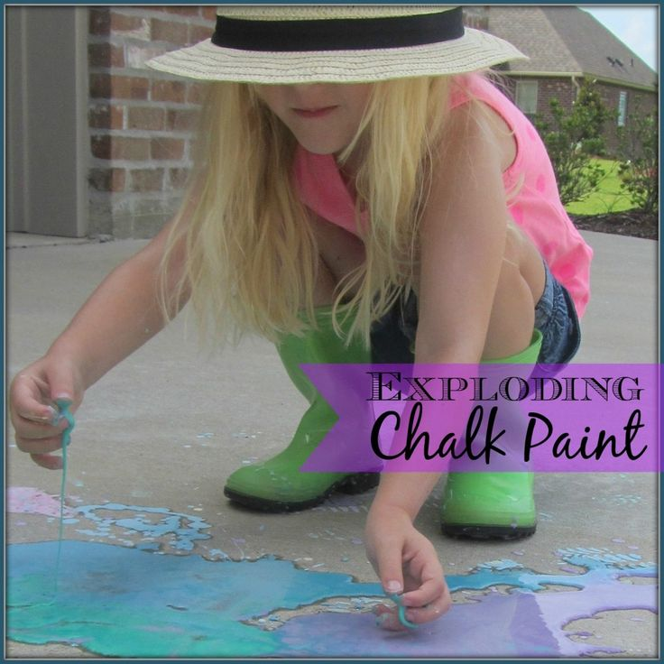 Exploding Chalk Paint #chalk #scienceexperiment #messyplay | mybigfathappylife.com
