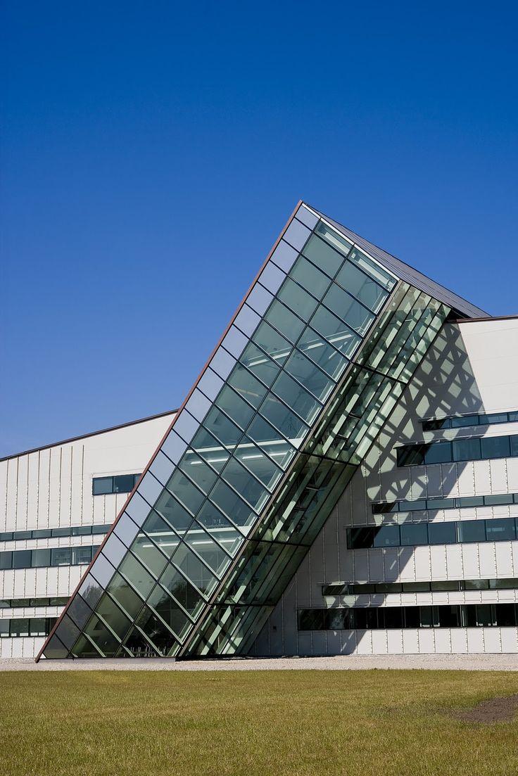 Fiberline Administration and Production Building | Middelfart, Denmark | KHR Arkitekter | photo by Michael van Oosten
