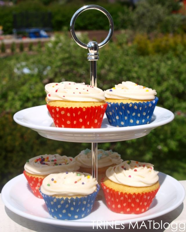 Magnolia Bakerys Vanilla Cupcakes