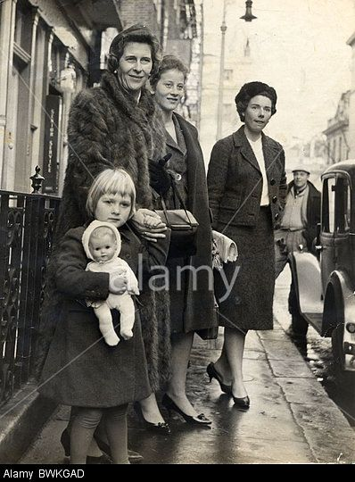 Princess Frederica (5) Of Hanover With Her Mother Princess Sophia Of Hanover Sister Of The Duke Of Edinburgh And Her Sister Stock Photo