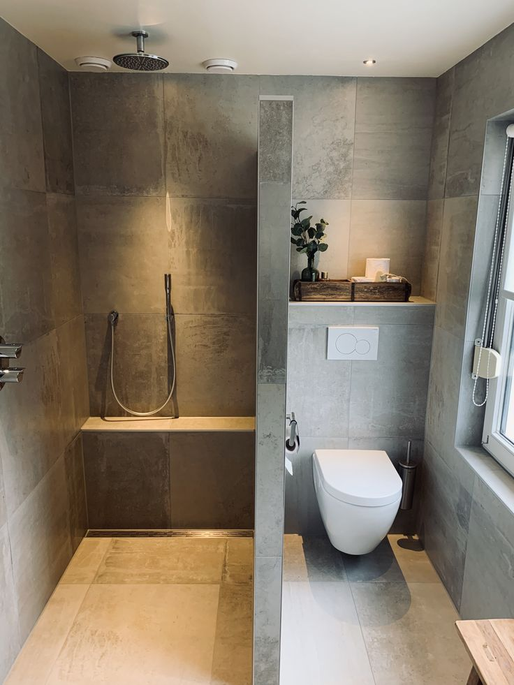 Bathroom complete modern concrete look tiles and sanitary. – Baños, Badezimmer, Bathroom