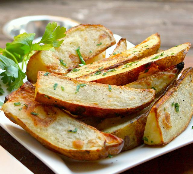 Oven Fries with Olive Oil, Parsley & Chives