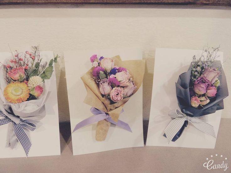 dryflower postcard. . #꽃 #드라이플라워 #드라이플라워카드 #주문제작 #선물 #어느봄날 #어느봄날그리고꽃 #dryflower…