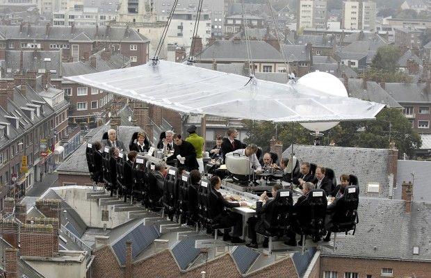 """Dinner in the sky, ένα ρεστοράν """"υψηλού"""" επιπέδου"""