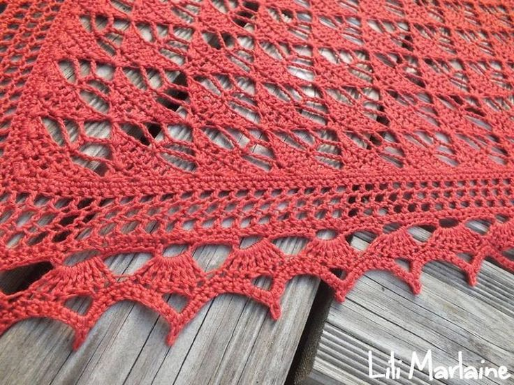 Source …        Source …     Silk scarf / Foulard de soie by EclatDuSoleil     To buy the pattern …            The Same stitch with a l...