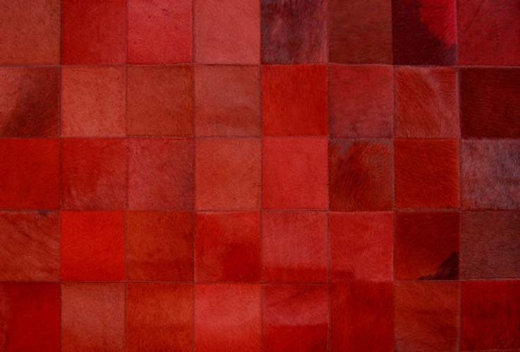 51 best images about colour red on pinterest red rose - Tapis peau de vache patchwork ...