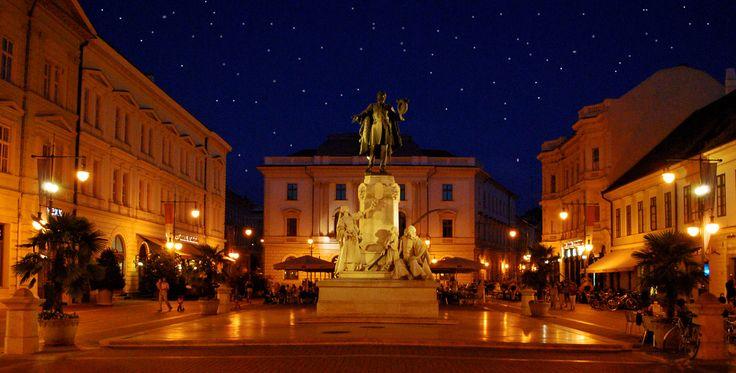 https://flic.kr/p/5tknbA | Szeged at night | The beautiful University town of Szeged on Hungary's southern border.
