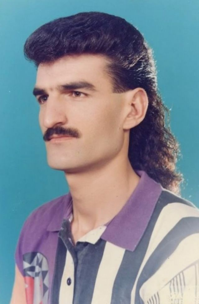 20 Fashion Trends From The 80s To Make You Shudder From Embarrassment Mullet Hairstyle Mens Mullet Mullet Haircut