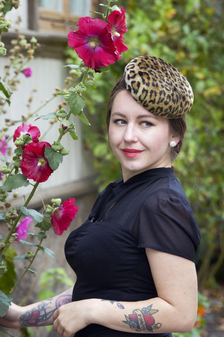Leopard Hat, Cocktail Hat, Button Hat, Vintage Hat, Hat Fascinator, Pin Up Style Accessories, Millinery Hat #vintagestyle #cocktailhat #fascinatorhat
