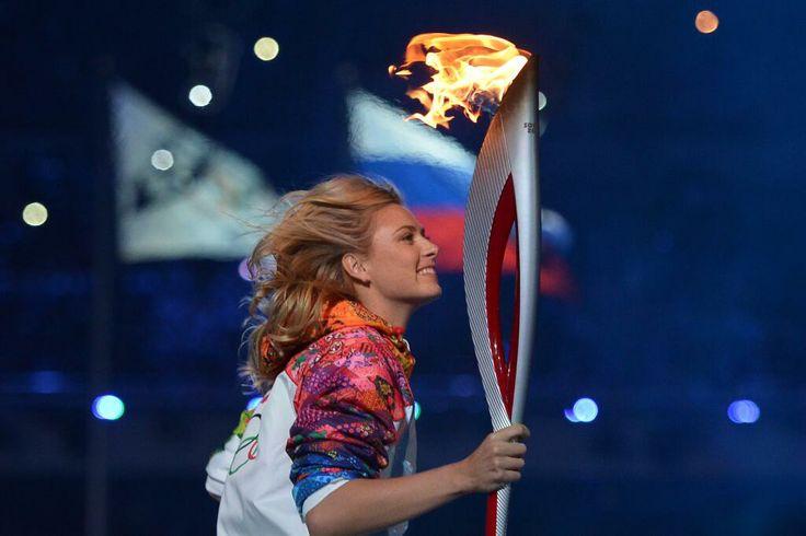Maria Sharapova, torchbearer Sochi 2014