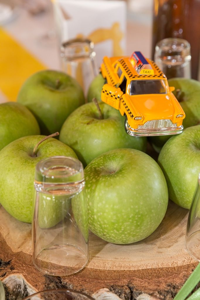 Friends themed wedding centerpiece - apple and yellow cab