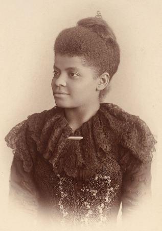 Ida B Wells Ida Bell Wells-Barnett (1862 – 1931), journaliste, est une des chefs de file du mouvement des droits civiques aux Etats-Unis. Elle a également milité pour les droits des femmes, notamment pour le droit de vote.