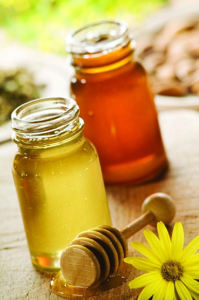 Για υγιή νύχια: Το ποδόλουτρο με φυσικό χυμό λεμονιού, δύο φορές την ημέρα, εξισορροπεί το pH του δέρματος, δημιουργώντας ένα δυσμενές περιβάλλον για τους μύκητες.        Κατά του βήχα: Το μέλι δρα ως μαλακτικό στον λαιμό και έτσι καταπραΰνει τον βήχα, πολλές φορές και πιο αποτελεσματικά από πολλά αντιβηχικά σιρόπια, χάρη στις αντιοξειδωτικές και αντιβακτηριδιακές του ιδιότητες.