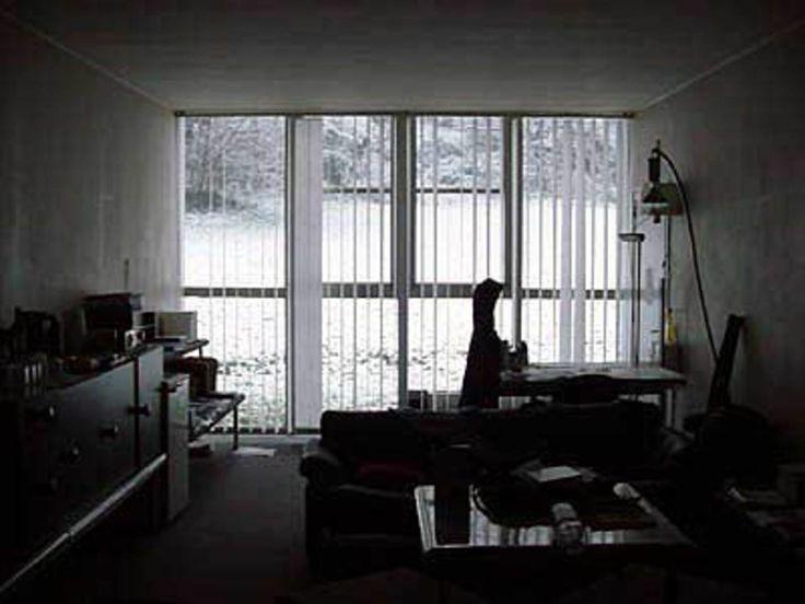 É piacevolissimo di mattina svegliarsi e vedere dentro casa ora i paesaggi innevati dei freddi inverni piemontesi ora i colori brillanti della primavera