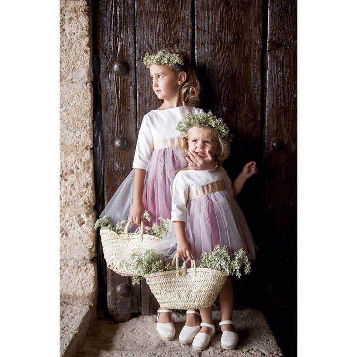"""Notajunto Boutique Infantil www.notajunto.net """"Vistiendo tu infancia desde 1988"""" C/ Salvador y Vicente Pérez Lledó 9 Mutxamel (Alicante) 965952070-653832575"""