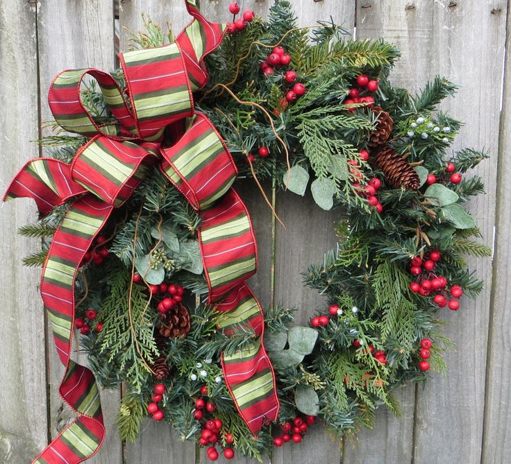 Items similar to Christmas Wreath - Natural Berry Christmas Wreath,  Nostalgic Traditional Christmas, Designer Christmas Wreath, Christmas  Decor, ...