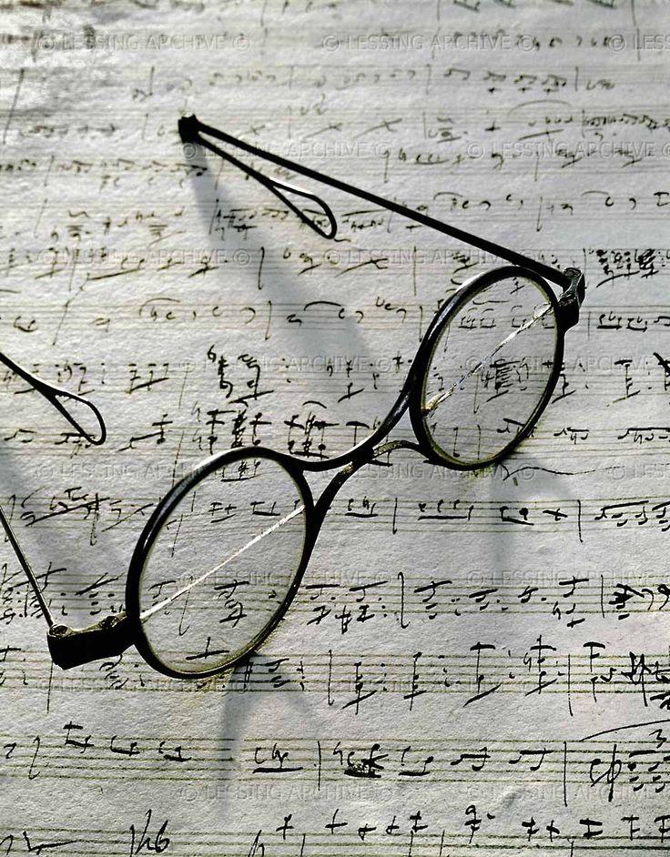 Schubert's eyeglasses and the manuscript of Gretchen am Spinnrade, Schubert Museum, Vienna.